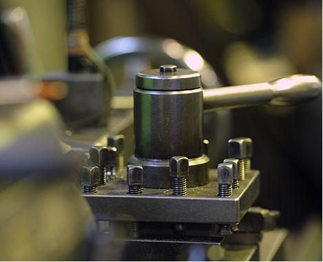 大型精密機器加工、チタンなどの難切削加工で使用するマシニング